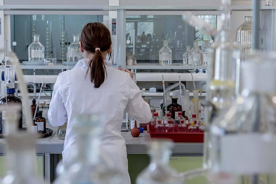 Jak powinno wyglądać wyposażenie laboratorium?