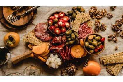 Krajalnica do wędlin - pomoc w kuchni profesjonalnej i domowej
