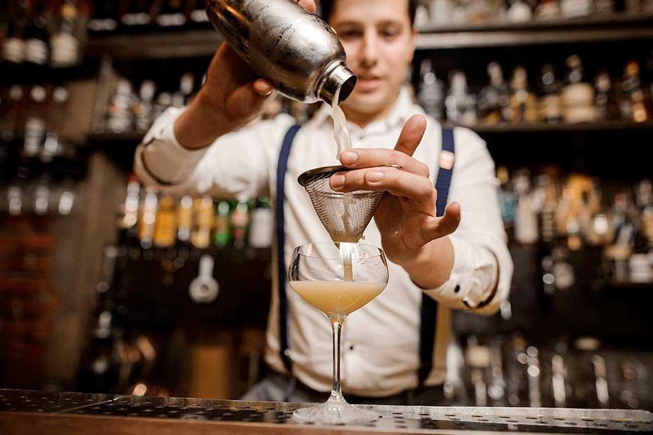 Jakie są obowiązki barmana?